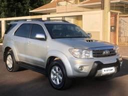 Toyota - Hilux SW4 srv 4x4 - 7 lugares - diesel financio