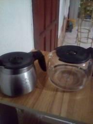 Vendo copo para qafetera uma e de inoqes 12cafe e outra de vodro para 24 cafe