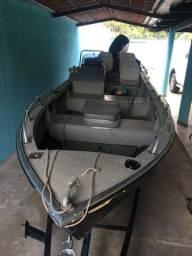 Vende lancha com Motor Mercury 40Hp 4T