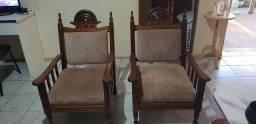 Vendo sofá estilo colonial mais mesa de sentro