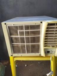 Vendo ar condicionado 7500btus 220v