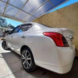Nissan Versa SL 1.6 16v - Impecável