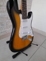 Fender Stratocaster (China).<br>Guitarra NOVA!