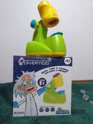 Brinquedo  microscópio