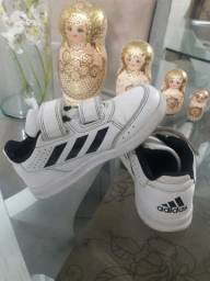 Tênis Adidas -N. 24-R$ 40,00 Importado