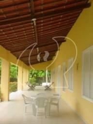 SÍTIO - ITAITINGA Excelente localização na Cidade Itaitinga, 03 suítes, 02 quartos, estar