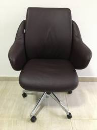 Cadeira Giratória Escritório Home Office Couro Búfalo Vinho