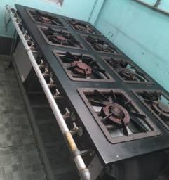 Vendo fogão industrial metal maq 8 bocas<br>2.700,00 (6 meses de uso )
