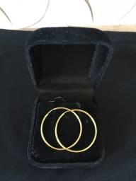 Vendo brinco de ouro 18k, Comprimento 3.0 cm Largura 3.0 cm,