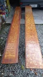 Vendo 2 bancos de madeira envelhecida