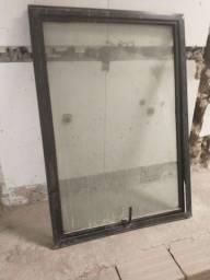 Título do anúncio: Vendo 5 janelas de basculante vidro temperado (0,80x1,20 )
