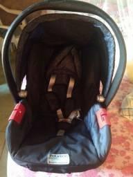 Vende se um bebê conforto da Burigotto semi novo
