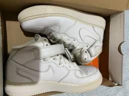 Tênis Nike Air Force 1 Mid '07 Masculino