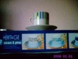 Jogo Café C/ 6 Xícaras E 6 Pires Porcelana - Heritage  R$ 24,00