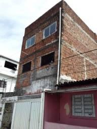 Casa térrea com mais 2 pavimentos centro de Abreu e lima
