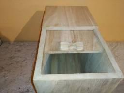 Caixa de madeira para guardar arroz