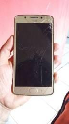 02 celulares pra negociar um ...j1 Mine é um moto gplay 05 os dois precisa de reparo