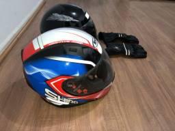 2 capacetes + luvas motociclistas.