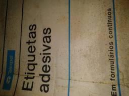Título do anúncio: Etiquetas Matricial Auto Adesivas Formato 81x36,1 - 4 Carreiras 16.000