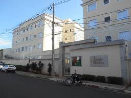 Título do anúncio: Apartamento com 3 dormitórios para alugar, 45 m² por R$ 1.200,00/mês - Senador Salgado Fil