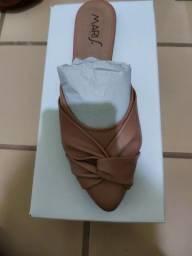 Sandália super charmosa e confortável
