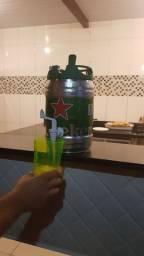 Transforme seu barril de Heineken em lixeira ou barril de bebidas