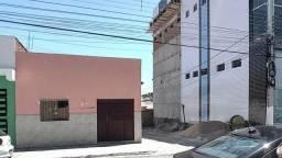 Casa de esquina em Santa Luzia
