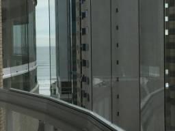 Apartamento 04 Quartos (02 Suites) _ Climatizado_ Meia Praia _ 02 Vagas de garagem