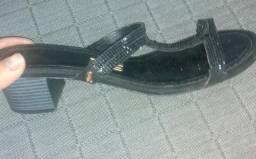 Vendo sandália santa lolla