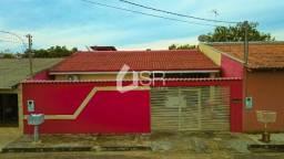 Locação: Casa com 3 quartos na rua do Tribunal de Justiça e Assembléia Legislativa