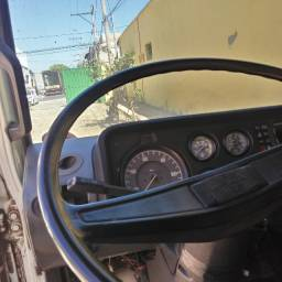 Caminha Volks 7110 ano 1991