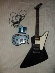 Guitarra Explorer (1200) e Pedaleira V-Amp 2 (200)