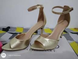 Sapato Dourado n° 35