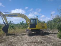Escavadeira pc150