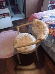Título do anúncio: Cadeira menina