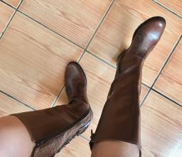 Vendo sapatos lindos e em ótimo estado!!!