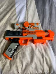 Nerf zombiestrike usada com mira