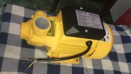 Bomba d?água periférica 1/2 cv Bivolt Ferrari