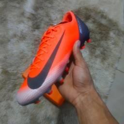 Título do anúncio: Chuteira Nike Vapor 12 Academy CR7