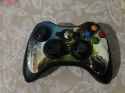 Controle do Xbox 360 com skin do Hulk