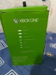 Título do anúncio: Xbox one quebrado (não liga)