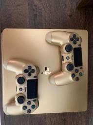Vendo PS4 Slim  Dourado 1tb SUPER CONSERVADO