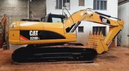 Escavadeira Caterpillar (entrada+parcelas)