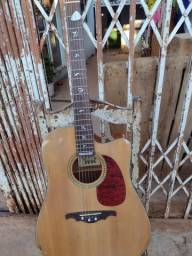 Troco em outro violão se for Takamine dou uma volta