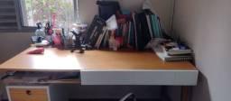 Escrivaninha em madeira da Oppa