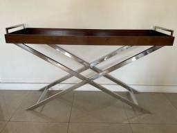 Aparador/Bar de madeira com pés em metal