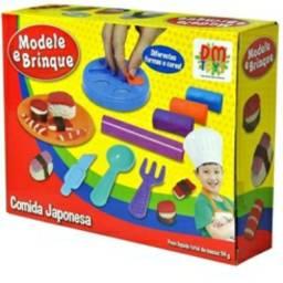 Brinquedo Kit de Massinha Modele e Brinque Comida Japonesa