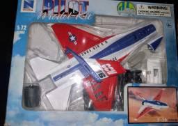 Caça F-16 Fighting Falcon Kit Para Montar Dtc - Escala 1/72