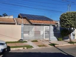 Casa com 03 quartos, 01 suíte e com 257m² no Jardim das Palmeiras em Cuiabá (COD.12807)