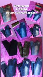 Calças jeans de 20 a 30 reais